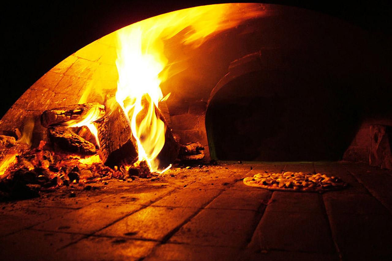 Pizza Napoletana STG foto-3