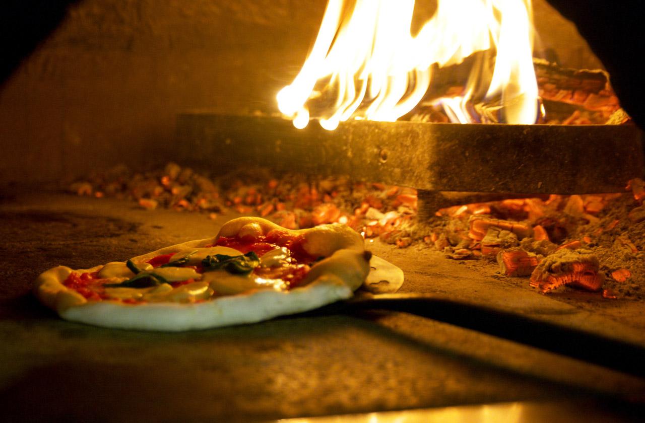 Pizza Napoletana STG foto-4