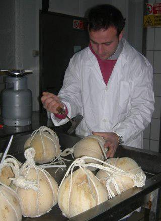Provolone del Monaco DOP foto-11
