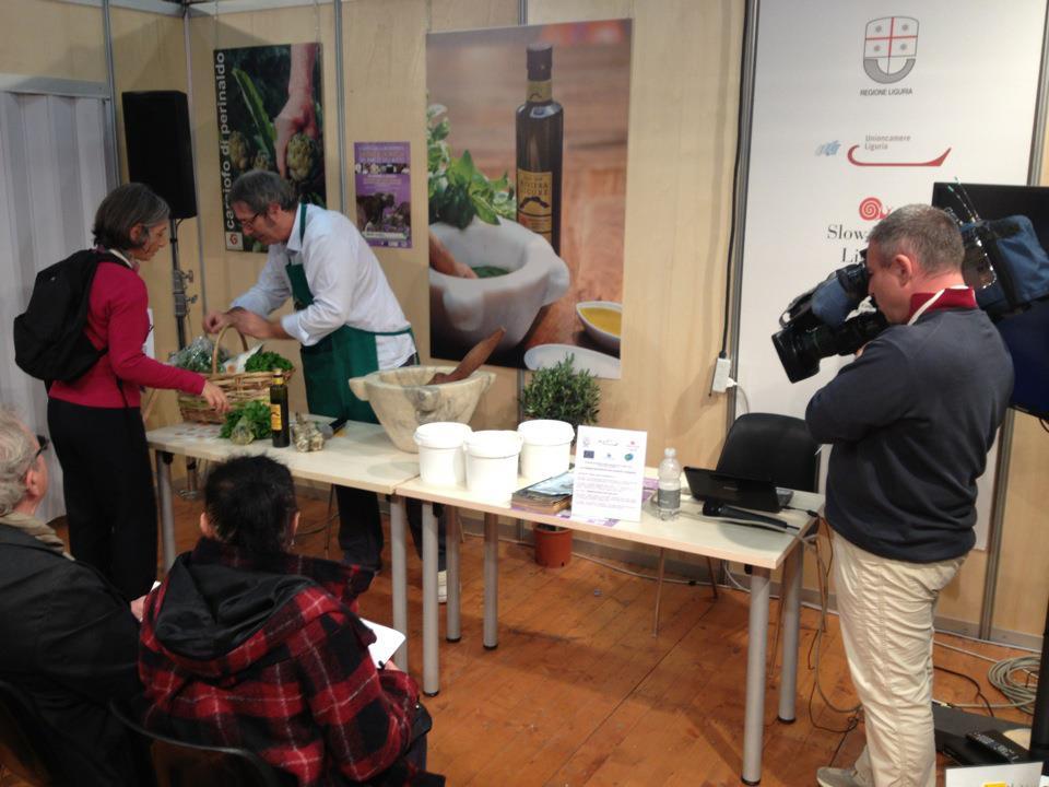 Pesto genovese con olio Riviera Ligure DOP e Basilico Genovese DOP Linea Verde Orizzonti