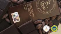"""Uovo di Pasqua di cioccolato fondente a base di """"Cioccolato di Modica IGP"""" , dono per il Santo Padre"""